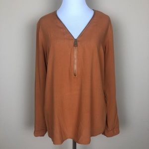 New Look V-Neck Rolled Sleeve Blouse